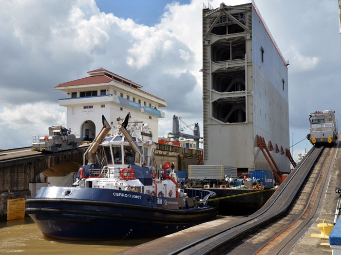 Tug Boat Captains of the Panama Canal - THE PANAMA PERSPECTIVE