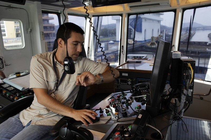 New challenges for tugboat captains with expanded Panama